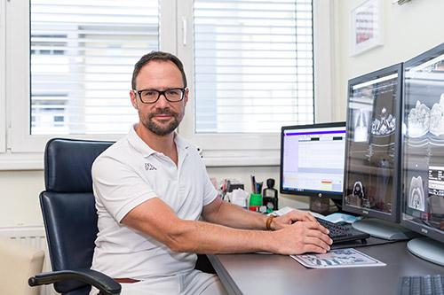 Dr. Martin Ladstätter